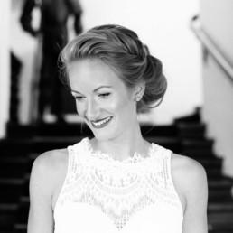 Brautfrisuren und Braut Make Up von Brigitte Kelemen, Hair & Make Up Artist aus Nürnberg und München, schwarz weiß Portrait der Braut