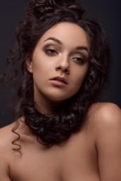 Hair & Make-Up Brigitte Kelemen, Make-Up Artist für Fotoproduktionen in München und Nürnberg, fotografiert von Andreas Reiter.